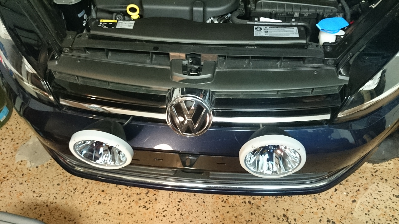 DIY: Installing auxillarylights on Halogen or Bixenon Golf Mk7 ...